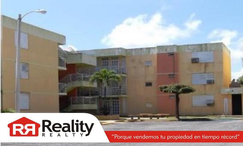 Cond. Brisas de Ceiba Court